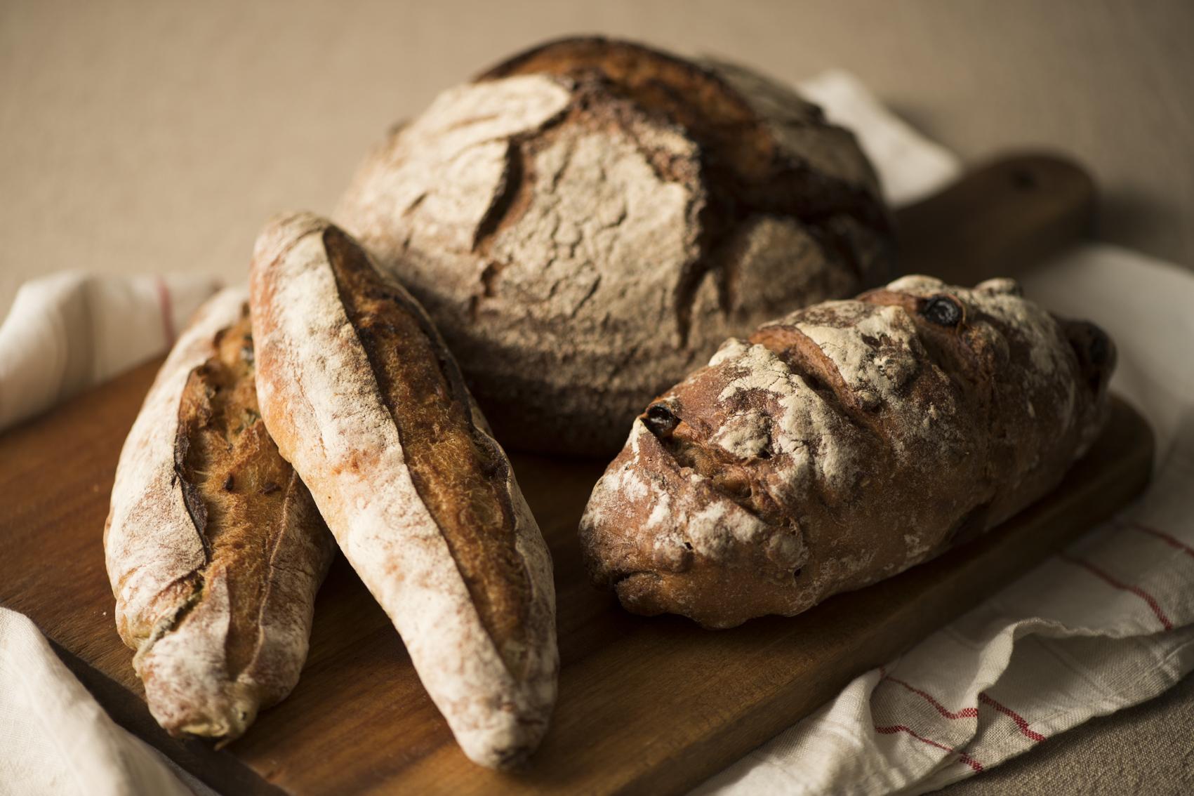 HPに載せているパンの写真はパン教室の先生からのご依頼が多いので「パンも撮れるんだ」と思っていただきたくて載せた写真です。