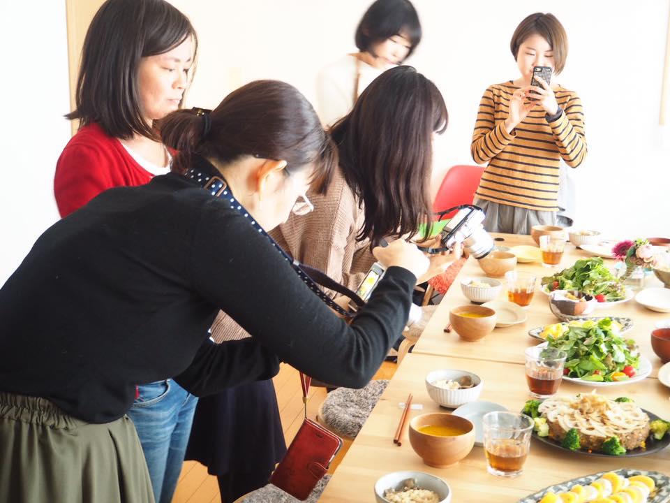 これは教室後に皆さんでランチをされたお料理を撮っているシーン。さっそく復習!