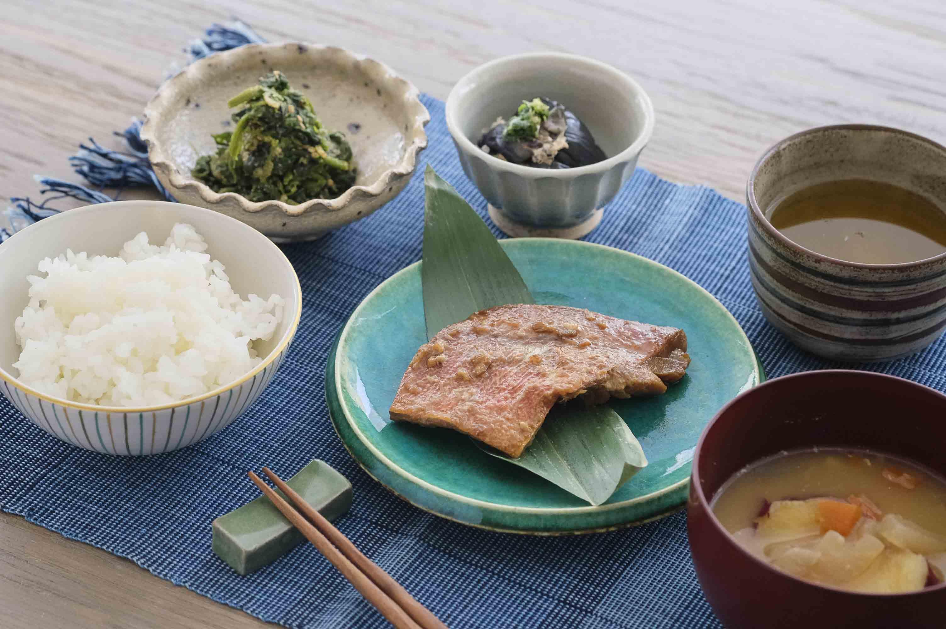 和食のデモ、朝食