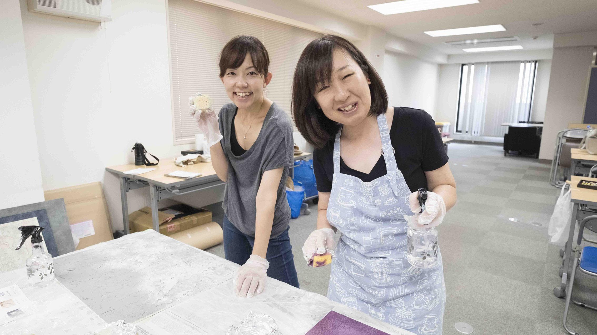 小坂先生と編集の綛谷さん